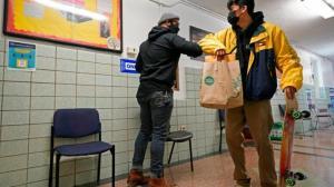 纽约市2月25日恢复初中面授课程 教师提前一天准备