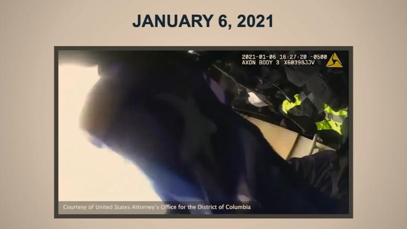 """弹劾审判:彭斯罗姆尼避险视频首公开 暴徒高喊""""总统邀我来!"""""""