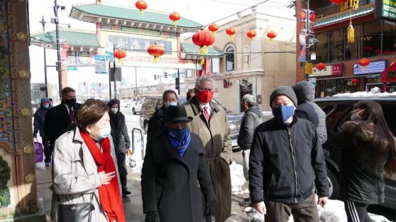 芝加哥市长春节走访中国城送祝福