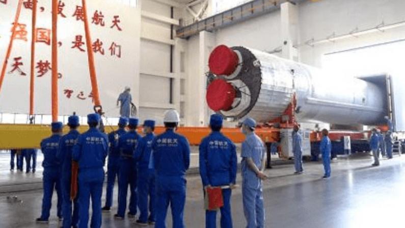 长征五号B遥二火箭运抵文昌 将发射中国空间站核心舱