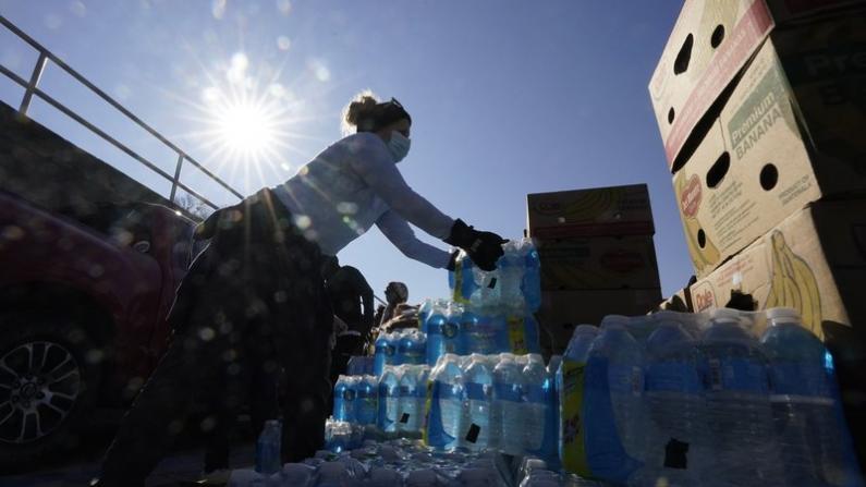 冬季风暴过去两周 得州仍有近40万人用水难