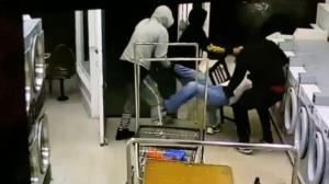 深夜洗衣房内遭劫 加州再爆攻击亚裔事件