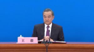 王毅:中美应良性竞争,既提升自我,又照亮对方