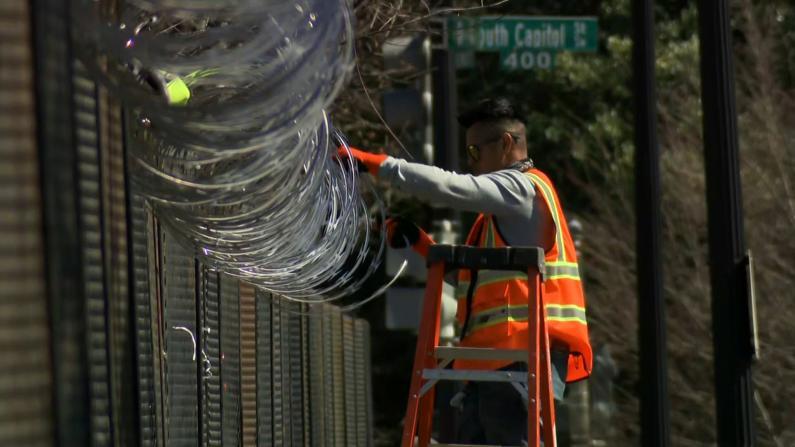国会外侧铁丝栅栏逐步拆除 周围道路1月至今将首次开放