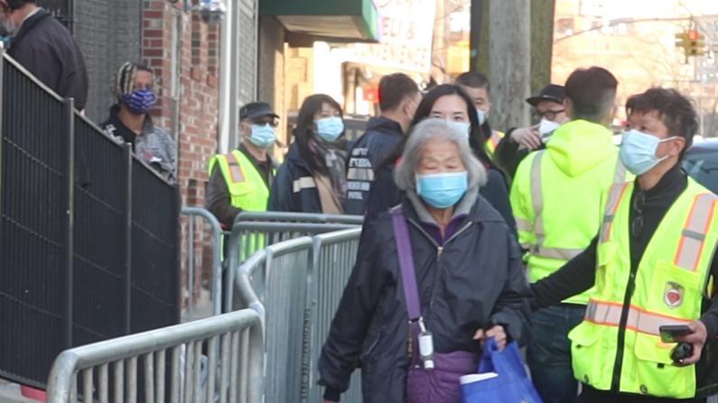 纽约法拉盛不安全了?退休警员带领民间巡逻队保护社区