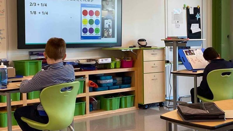4/26波士顿公校恢复K-8年级五天到校上课 华埠公校:会给学生按组测新冠