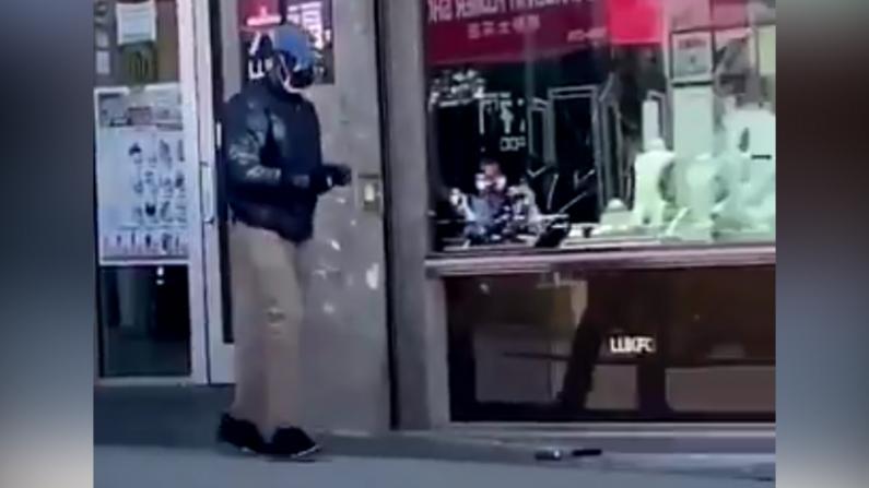光天化日铁锤砸窗!纽约法拉盛珠宝店遭劫损失数万元