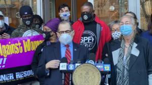 纽约民选官员谴责仇恨亚裔犯罪:不能再坐视不理 要必须讲出来