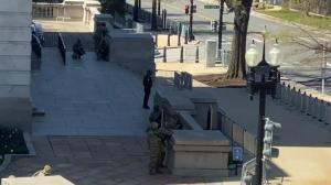 【现场】大批警力紧急驰援国会大厦