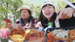 【沛莉一家】Uber Eats外卖郎休假吃什么?一餐能吃到八国料理?!
