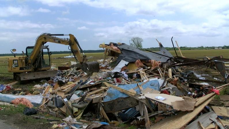 强风暴致路易斯安那2死7伤 南部多州遭极端天气袭击