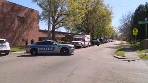 田纳西高中爆校园枪击案 枪手被击毙 一警察受伤