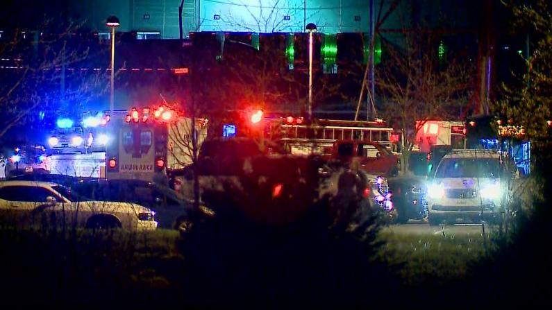 印城机场附近爆大规模枪击 枪手2分钟内连杀8人
