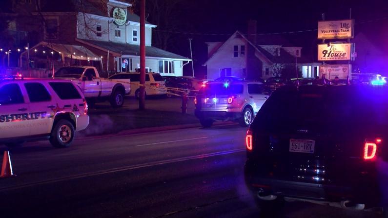 威州小酒馆深夜爆枪案致3死2重伤 枪手仍然在逃