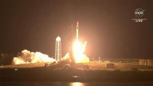 四太空人搭龙飞船顺利发射 SpaceX载人任务首次硬件重复利用