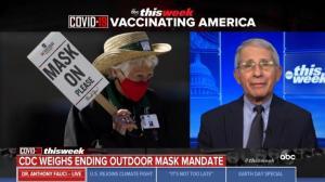 打完疫苗在户外可以不戴口罩?褔契给出这样回答