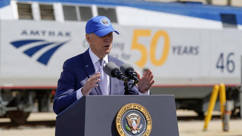 拜登吁高铁建设直追中国 盼纽约-华盛顿车程缩短至1.5小时