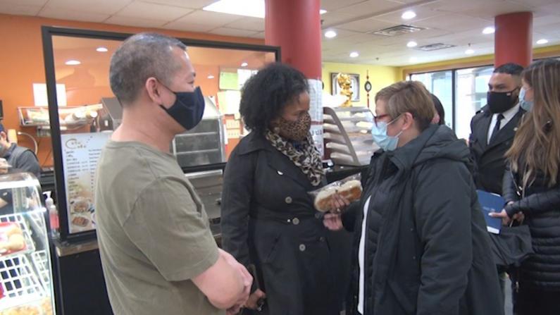 生意难做、仇恨事件不断… 波士顿代市长访华埠支持华人社区