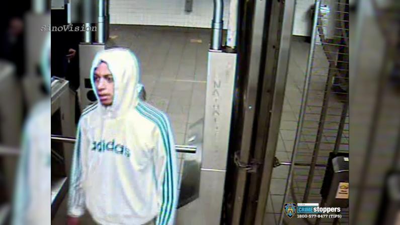 亚裔男子纽约地铁站遇袭 警方悬赏$2500缉凶