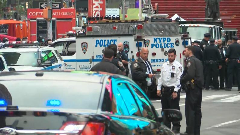 时报广场繁华街角曝枪案 幼童在内三名路人意外受伤