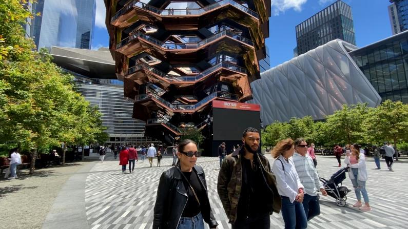 纽约市复苏…逛街、休闲、打卡网红景点,多少人戴口罩?