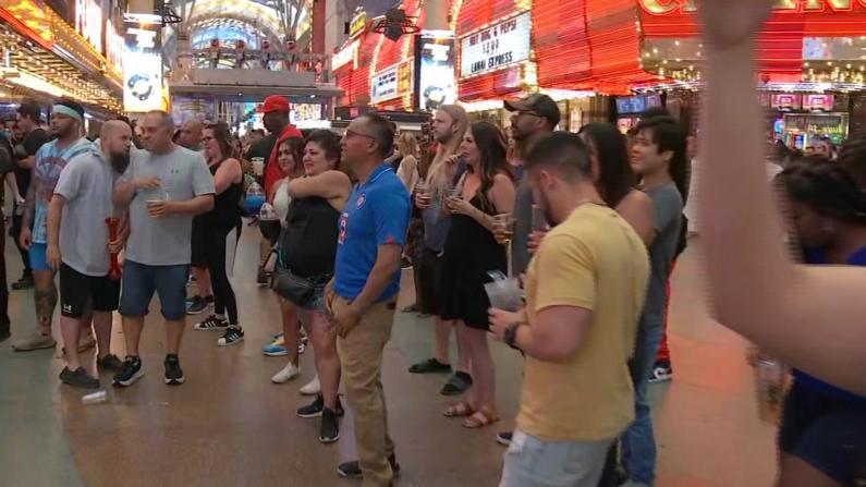 全美最大规模完全重开 拉斯维加斯游客迫不及待上街庆祝