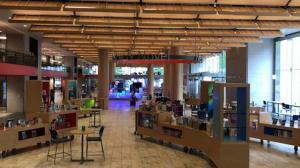 波士顿公共图书馆重开 室内须戴口罩禁止吃喝