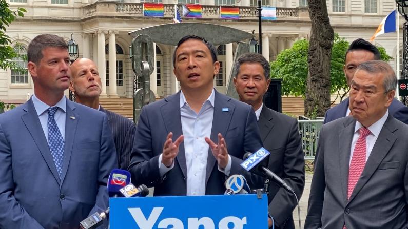 杨安泽获纽约市警两团体背书 主张治安优先得支持
