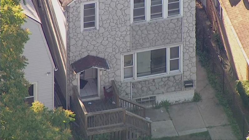 芝加哥民居枪案致4死4伤 屋内发现大容量弹夹案发前曾有争执
