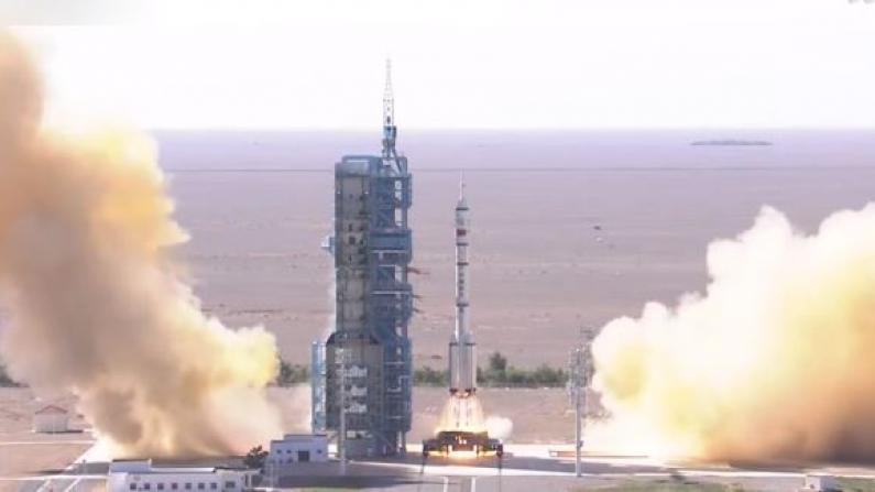 中国成功发射神舟十二号载人飞船