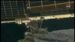 美欧太空人成功更换国际空间站电板 6小时内他们都做了些什么?