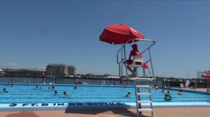 救生员短缺 波士顿公共泳池难及时开放