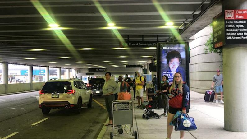 独立日假期波士顿机场迎大批客流 旅客:机票、住宿不贵