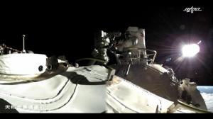 100秒回看神州十二号航天员首次出舱活动
