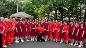 艾姆赫斯特公园广场舞蹈队 庆独立日演出 节目丰富精彩