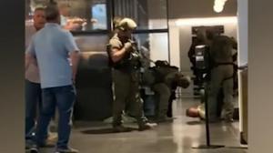 【现场】丹佛警方逮捕4人搜大量枪弹毒品 忧赌城式枪案再发多方警惕