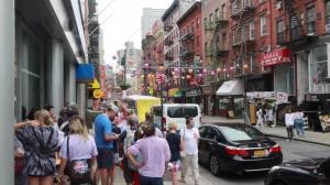 纽约华埠游客回归迎来夏季小高峰 部分餐厅生意恢复70%