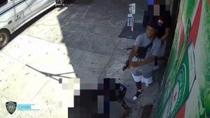 纽约再发街头枪案 男子大白天超市外近距离射杀骑车人