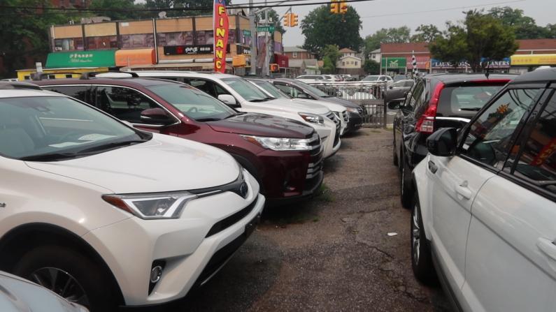 """二手车卖新车价 新车加价$3000才能买 是什么导致车市""""疯狂""""?"""