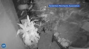 旧金山泰餐厅迷之爆炸碎片满地 亚裔商业连遭破坏