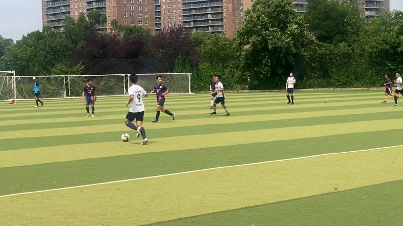 足球强队聚首纽约 为首届全美华侨体育运动会拉开帷幕