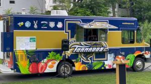 麻州亚裔聚居市增设暑期餐食派发点 18岁以下可免费领取