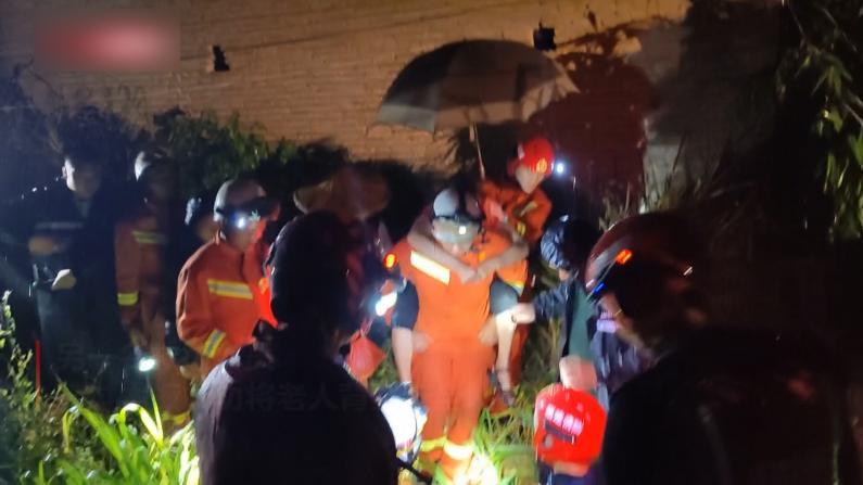 福建漳州强降雨致多处积水 人员紧急转移