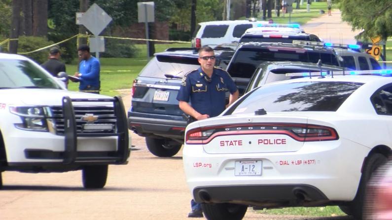 捅伤亲人开枪滥杀 警方围堵路易斯安那男子