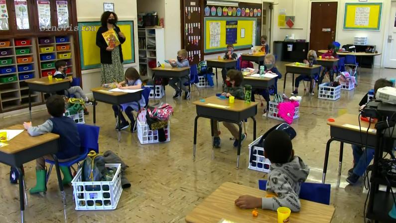 Delta肆虐 纽约市公校9月全面实施到校上课 华裔家长态度几何?