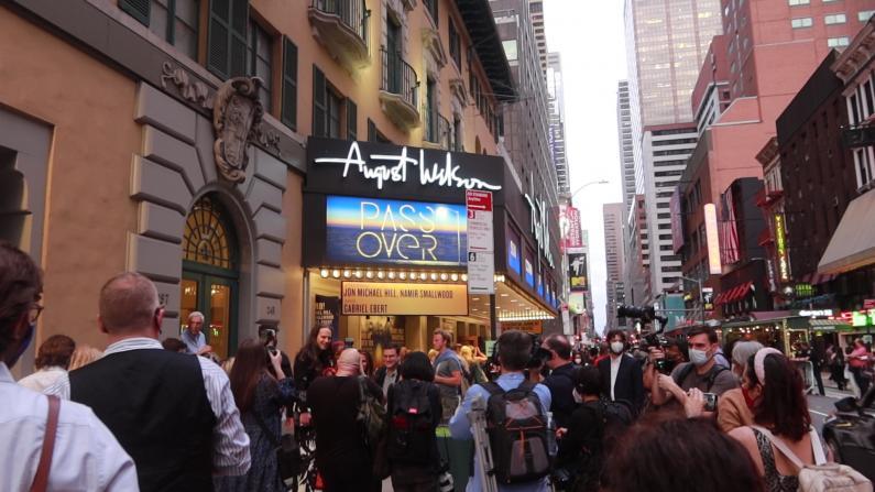 纽约首部百老汇音乐剧回归 观众需出示疫苗卡、全程戴口罩