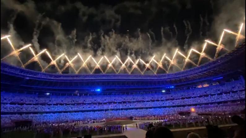 2020东京奥运闭幕式烟花绽放
