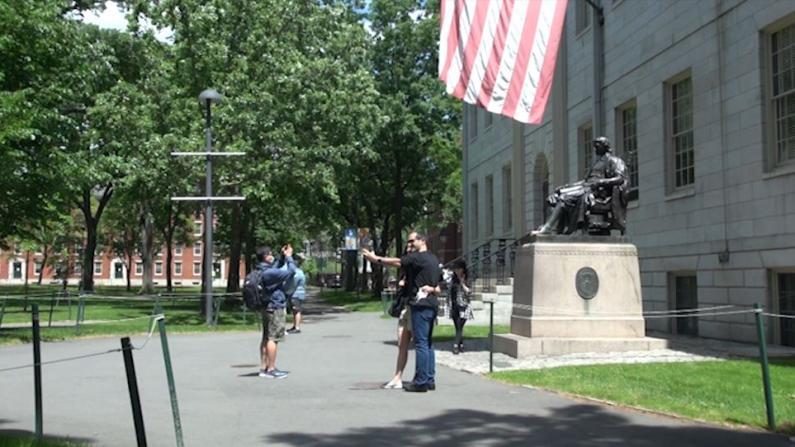 秋季开学在即 麻州多所大学要求入学须接种疫苗和戴口罩