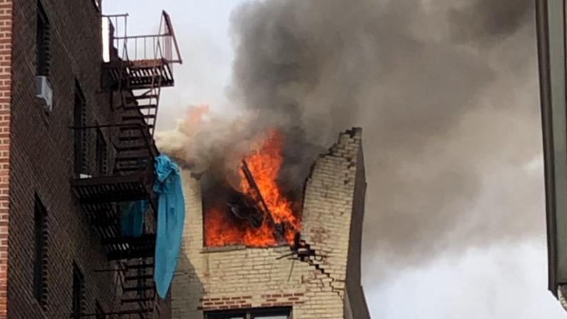 纽约公寓楼爆炸引出惊人命案 26岁男子遇害 凶手纵火掩盖证据致楼层炸毁
