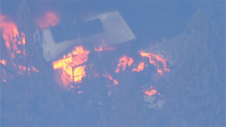 加州大火延烧范围进一步扩大 千栋房屋被毁 或持续至秋季